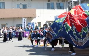 141019祭りを盛り上げた伝統の獅子舞