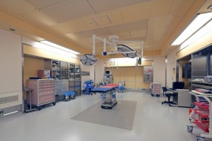 №13 2F 手術室1